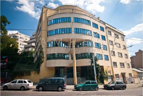 Office for rent, 357 m2, Prague 2 Vinohrady, Belehradska
