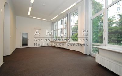 Pronájem kancelářských prostor, 181 m2+ terasa, Praha 2- Vinohrady, Belgická