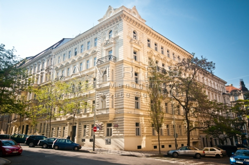 Rent of an office space 355 sq.m., Prague 2 Vinohrady, Manesova
