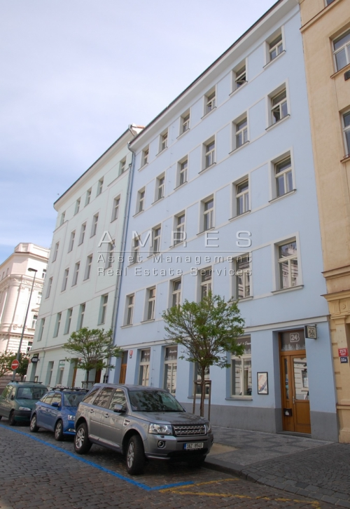 Nice, refurbished flat 3+1, 79 m2, nearby náměstí Míru, Prague 2