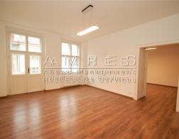 Spacious flat 3+1 with a balcony, 115 m2, Prague 6- Bubeneč