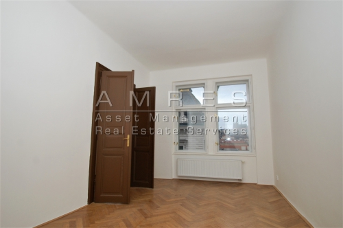 Unfurnished flat 3+1, 85 m2, with a view of Prague castle, Prague 1
